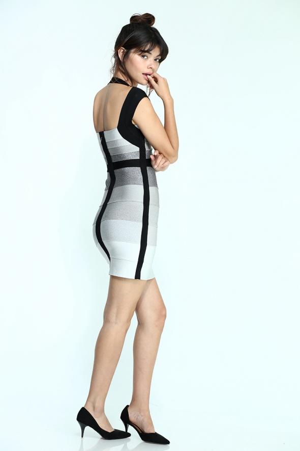 שמלת מיני מחטבת מפתח גב
