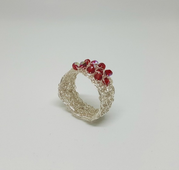 טבעת כסף סרוגה בשילוב אבני סברובסקי
