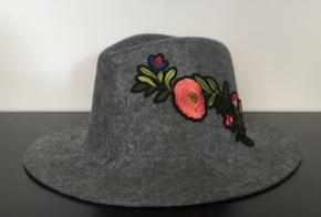 כובע פלו אפור