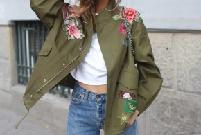 ז'קט צבאי שילוב פרחים ירוק