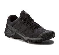 נעלי שטח וספורט לנשים - שחור