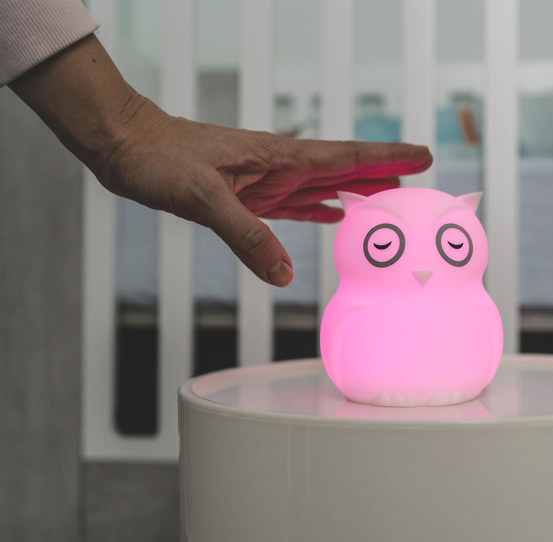 מנורת לילה בצורת ינשוף לחדרי ילדים ותינוקות עשויה מסיליקון רך BBluv - תמונה 2