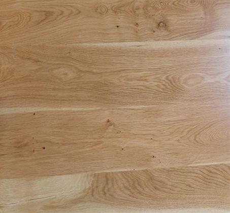 שולחן קפה לסלון דגם ביסו ביתילי עם פלטת עץ אלון מבוקע טבעי  ורגלי איקס מעץ מלא  - תמונה 5
