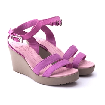 Crocs Leigh Wedge - נעלי עקב עם רצועות - תמונה 3