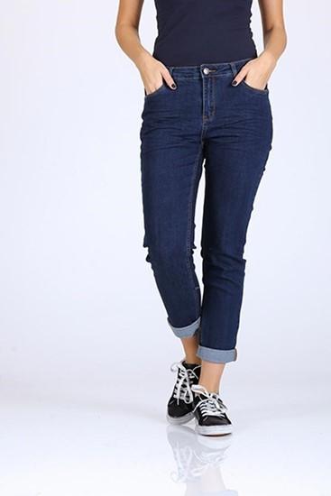 ג'ינס קלאסי כהה, עם קיפול