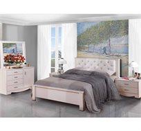חדר שינה קומפלט עשוי עץ דגם סנדי הכולל מיטה זוגית, שתי שידות, קומודה ומראה