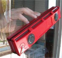 מנקה חלונות מגנטי דו צדדי לניקוי חלונות, דלתות ומרפסות