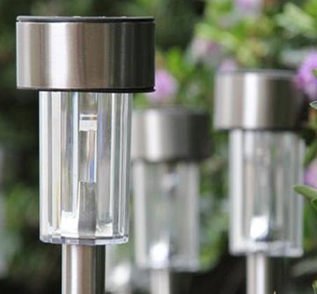 מושלם לגינה! סט 10 פנסי לד סולארים מרשימים מנירוסטה ללא צורך בחשמל נדלקים אוטומטית בלילה - תמונה 3