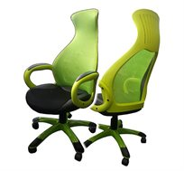 כיסא מנהלים מעוצב דגם כרמל מרופד בשילוב בד ודמוי עור עם בסיס חזק מאוד ובנוי לישיבה ממושכת