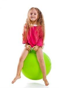 כדור קפיצה לילדים עם ידיות לאחיזה, מתאים לבנים ולבנות במגוון צבעים