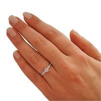 טבעת יהלומים בשיבוץ 0.35 קראט נוצצים ויוקרתיים