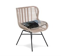 כורסא מראטן בגוון ורוד דגם אמיק ביתילי כוללת כרית נוי מתנה