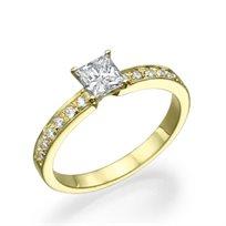 """טבעת אירוסין """"לנה"""" בשיבוץ יהלומי פרינסס זהב צהוב"""