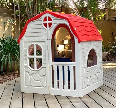בית ילדים מתקפל מפלסטיק למרפסת או לחצר