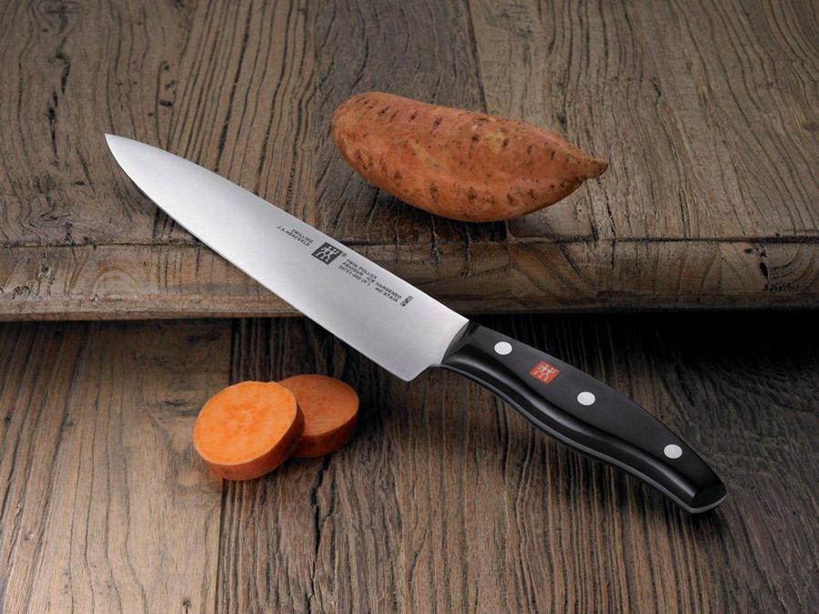 חיתוך של שף! סט 2 סכיני ירקות ומשחיז סכינים מקצועי מסדרת TWIN Pollux מבית 'צווילינג' ב-₪195 בלבד! - תמונה 2