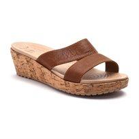 Crocs A-Leigh Leather Mini Wedge - כפכף פלטפורמה עם רצועות עור חומות