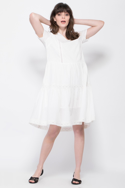 שמלה עם מחשוף וי ועיטורי תחרה
