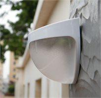 פנס לד סולארי בעל 6 נורות LED A6, לתאורת שבילי גישה, מדרגות ודלתות - ברכישת 5 פנסים השישי חינם!