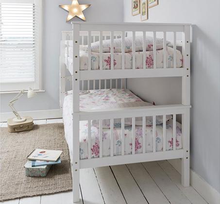 מיטה דו קומתית לילדים ונוער מעוצבת עשויה מעץ אורן מלא עם מעקה בטיחות קבוע דגם RICARDO - תמונה 2