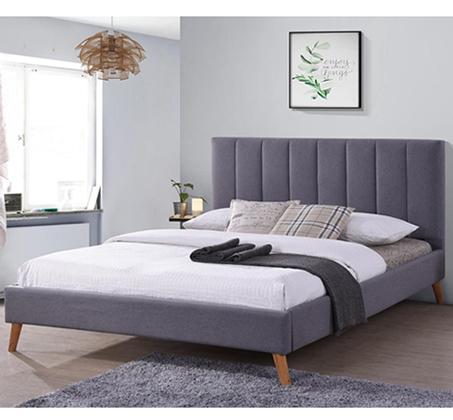 מיטה זוגית מרופדת ורגלי עץ מלא דגם LIMA