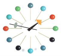שעון קיר מעוצב BALL CLOCK עשוי אלומיניום וכדורי עץ צבעוניים BRADEX