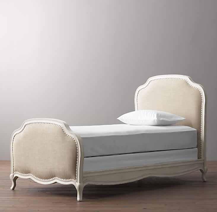 מיטה ברוחב וחצי דגם ואלרי ביתלי בשילוב מסגרת עץ צבועה בצבע שמן בגוון שמנת ומרופדת בבד פשתן  - תמונה 2