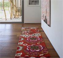 שטיח ראנר מעוצב מעבודת יד בעל מוטיב פרחוני לחללי מסדרונות