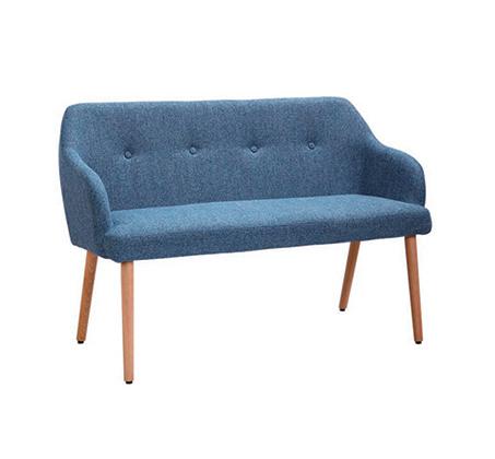ספה מרופדת עם רגלי עץ מלא דגם LAVI