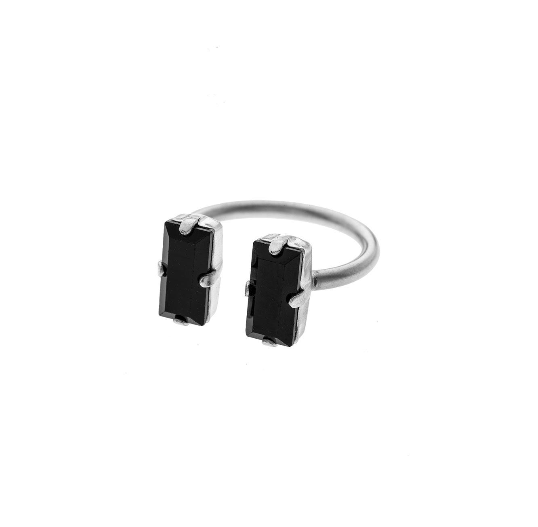 טבעת בציפוי כסף עם אבן סברובסקי שחורה