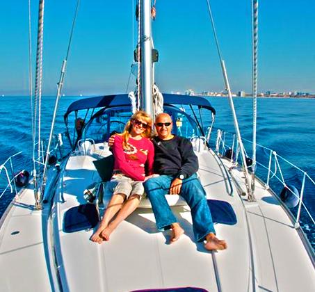 הפלגה משפחתית - שייט ביאכטה מפוארת ומפנקת לאורך חופי הרצליה ותל אביב - תמונה 5