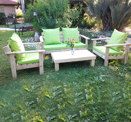 מערכת ישיבה מוגבהת לגינה WOODLEE עשויה אורן איכותי במגוון צבעים לבחירה