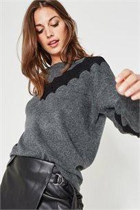 סוודר עם עיטור תחרה לנשים במגוון צבעים לבחירה