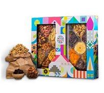 מארז שקדיה אקסטרה הכולל שני מגשי מיקס פירות יבשים ואגוזים בתמהיל מגוון מור ולבונה