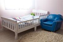 מיטת מעבר שקד עם מעקה ניתן להסרה בלבן