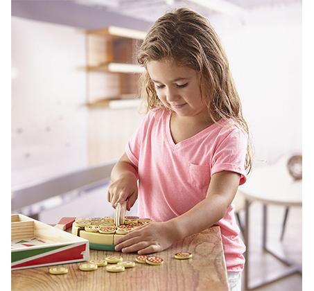 משחק מיוחד להכנת פיצה מעץ לילדים מבית Melissa & Doug - תמונה 5