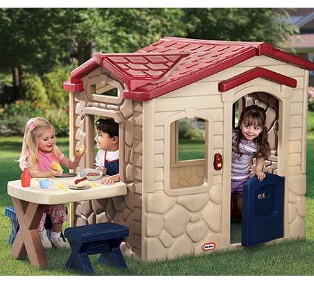 משחק פיקניק במרפסת בצבעי אדמה