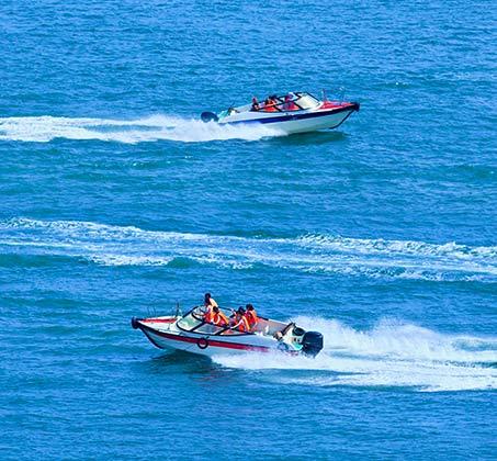 שייט ביאכטה 60 דק' כולל עד 5 אטרקציות לבחירה: אבוב, סירת מרוץ, קרייזי שארק ועוד - תמונה 2