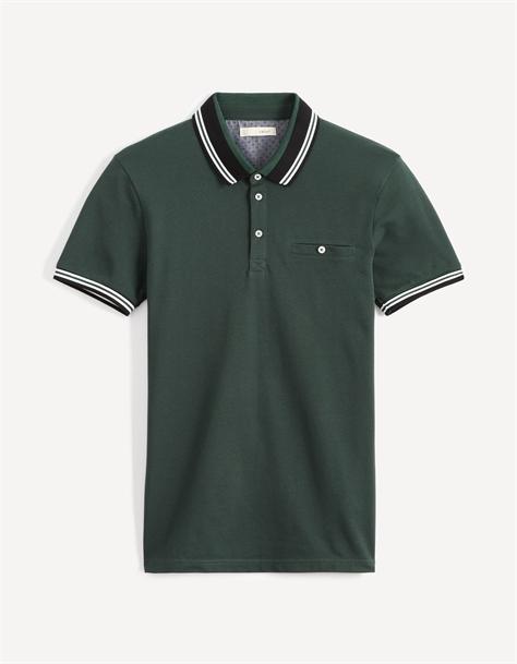 חולצת פולו שרוול קצר עם דיטייל