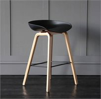 כסא בר מעוצב בסגנון סקנדינבי