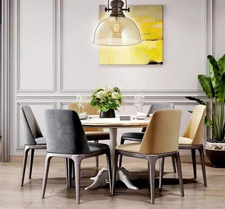 מנורת תליה גולדה ביתילי בעלת גוף העשוי זכוכית בגימור קוניאק בשילוב בית נורה מתכתי וכבל שרשרת - משלוח חינם - תמונה 3