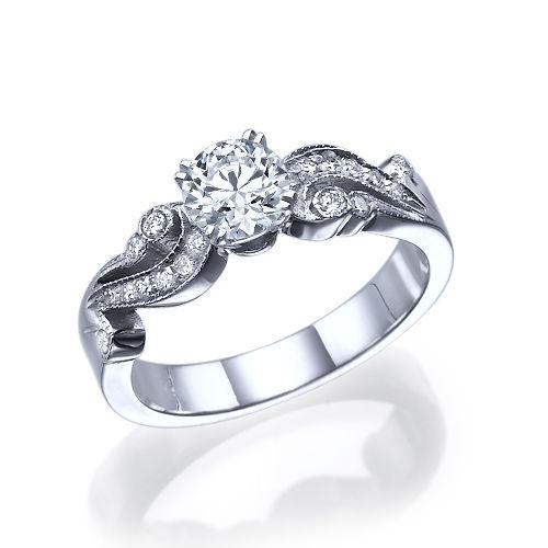 """טבעת יהלומים """"ג'ני"""" בעיצוב וינטאג' 0.71 קראט זהב לבן"""