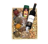 מארז פריחת הדובדבן הכולל תבלינים, שוקולד, אגוזים יין אדום וסילאן