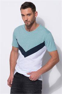 חולצת חתכים בשילוב בדים
