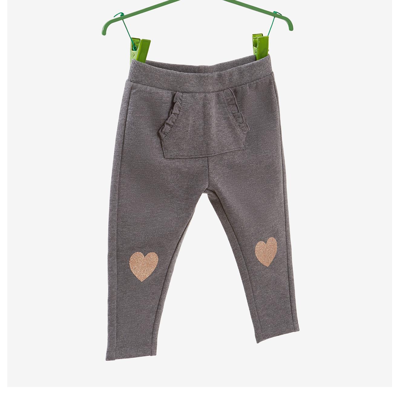 מכנסי פוטר OVS לילדות - אפור עם הדפס לבבות נוצצים