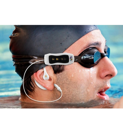 נגן MP3 ורדיו עמיד במים ומתאים לשחייה ולפעילות ספורטיבית, עם זיכרון 4GB  וסוללה נטענת - תמונה 4