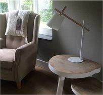 מנורת שולחן מתכווננת בעיצוב מודרני דגם SHEER