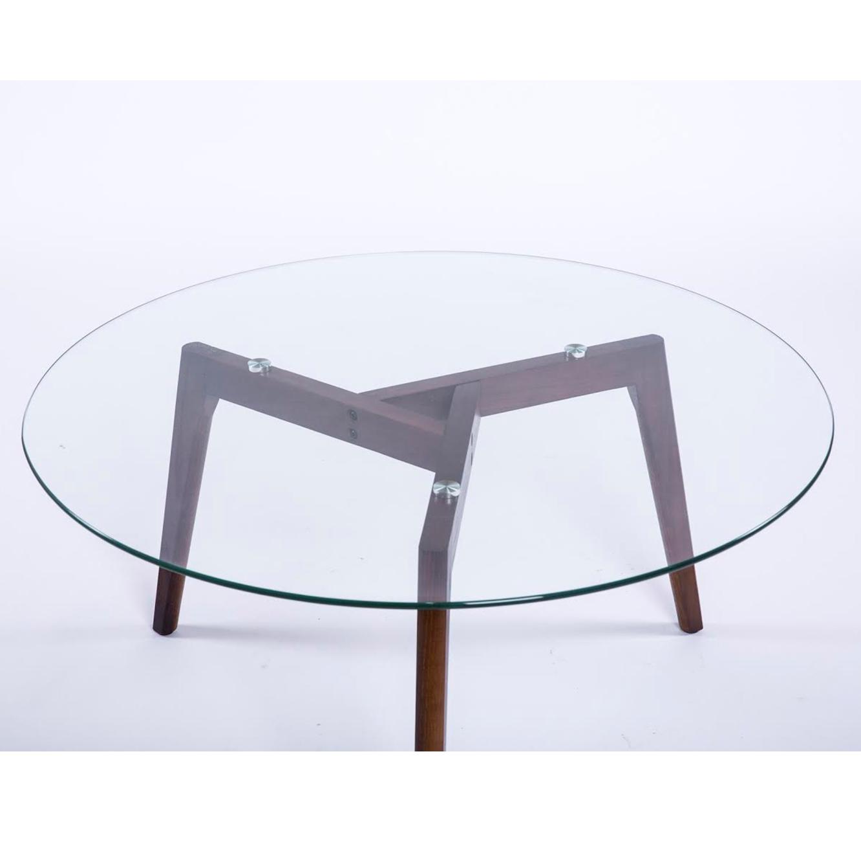 שולחן קפה עגול לסלון בעיצוב מודרני עשוי זכוכית בשילוב עץ - תמונה 3