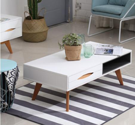 שולחן קפה סלוני מלבני בעל רגלי עץ
