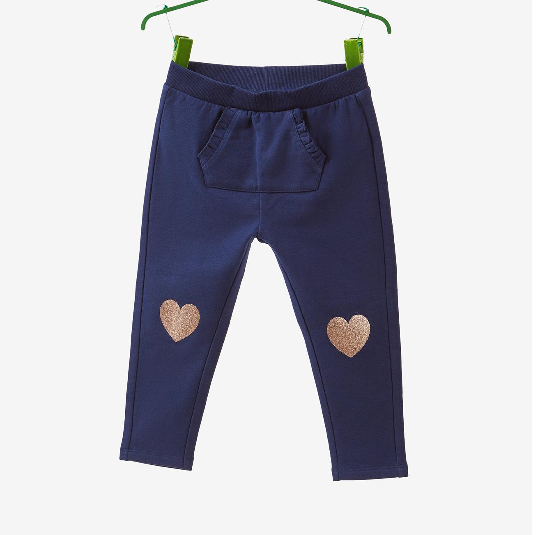 מכנס פוטר OVS לילדות - כחול כהה עם הדפס לבבות נוצצים