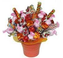 """""""קרנבל מתוק"""" - זר מתוק ומרשים המורכב מפרליני שוקולד איטלקי איכותי וסוכריות הנמסות בפה"""
